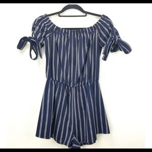 OFF SHOULDERS STRIPED ROMPER BLUE AND WHITE